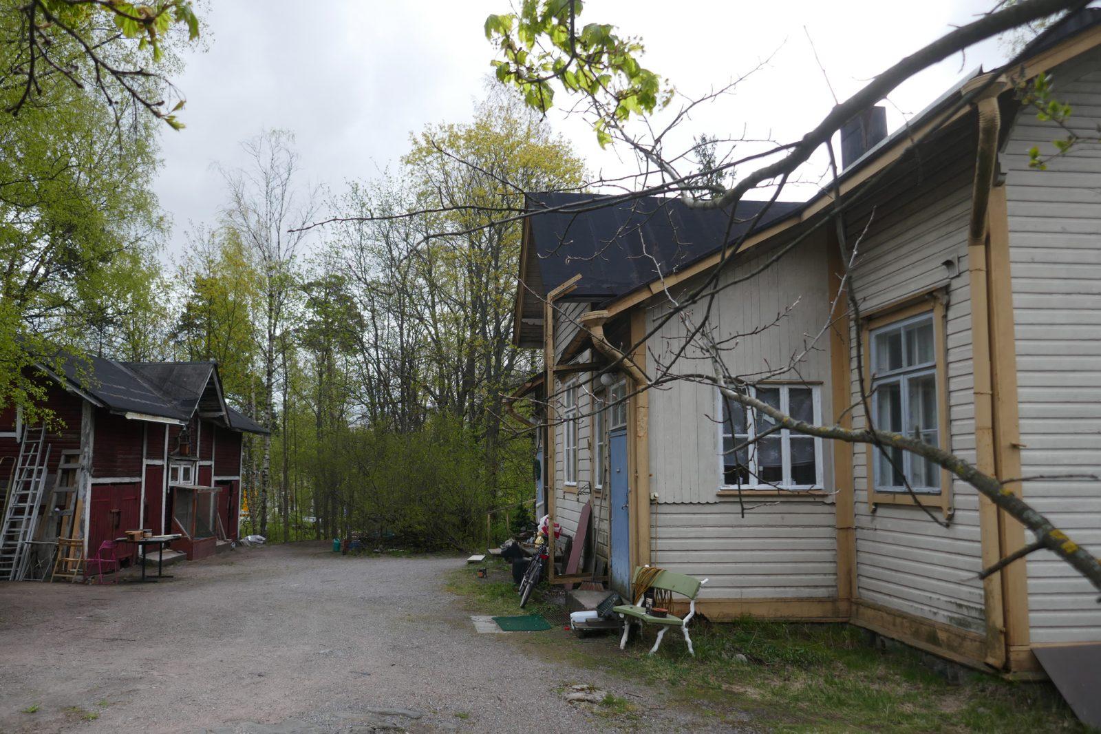 Pitäjänmäen asemapuiston kaksoisvahtitupa