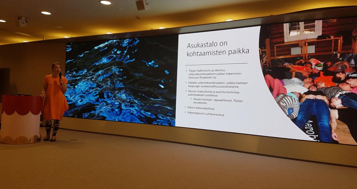 Asukastiloista keskusteltiin Helsingin kaupungintalolla Helkan tilaisuudessa